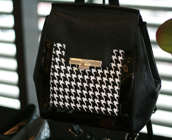 Fall Trends 2015 Houndstooth Print Backpack // Elaine Loves