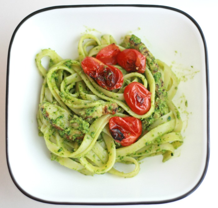 Living That Clean Life - Spaghetti with Pesto & Roasted Tomatoes // Elaine Loves