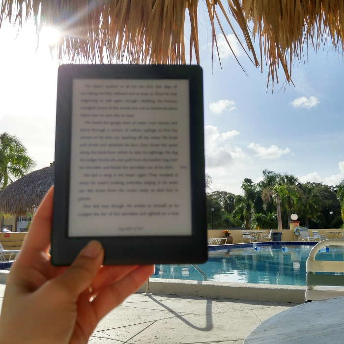 pool side, reading, relaxing, kobo, elaineloves, unplugged