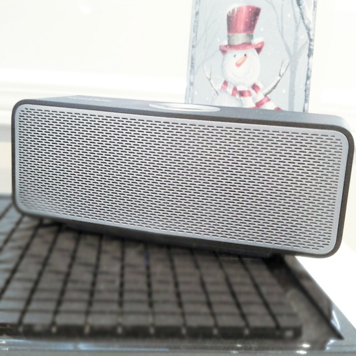 Getting in the Holiday Spirit with the LG P5 Bluetooth Speaker {Giveaway} – CLOSED